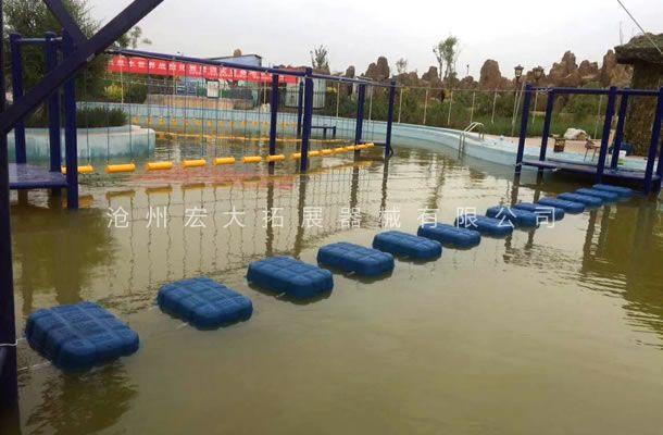 水上拓展设施