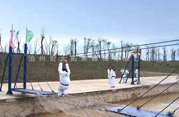 水上滑索桥-水上拓展器材厂家-水上拓展项目