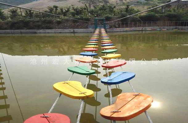 水上梅花桥-水上拓展训练器材-儿童水上拓展