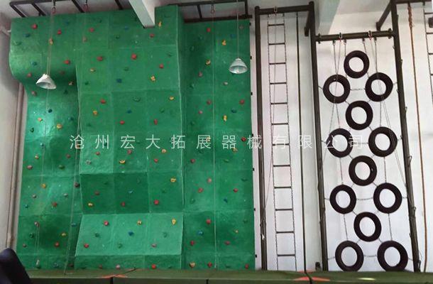 南昌某部队室内攀岩+攀爬基础训练定制器械安装完毕