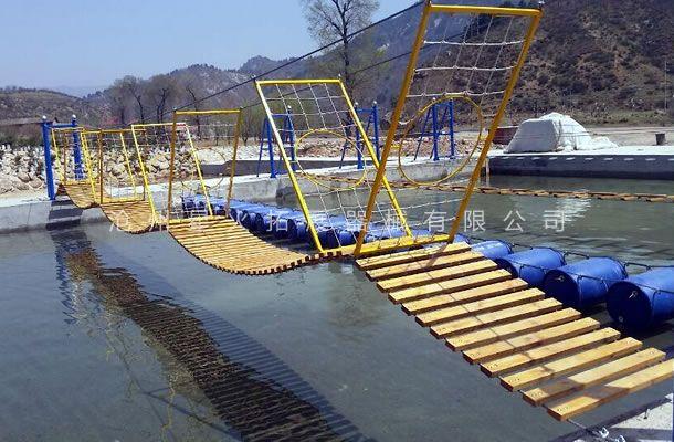水上波浪桥-水上拓展训练器材-儿童水上拓展