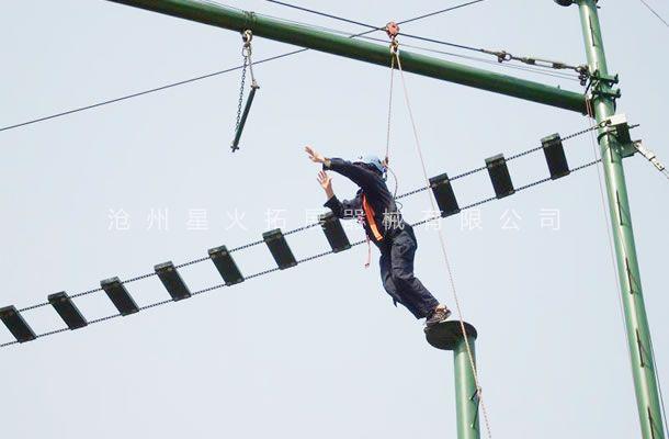 高空拓展器材,高空拓展训练架