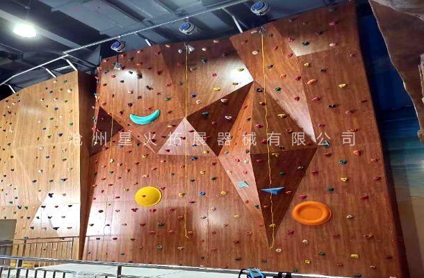 木质抱石攀岩墙XH-8-室内攀岩墙-商场攀岩墙建造
